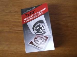 Fyzická fotografie knihy 7x10 palců